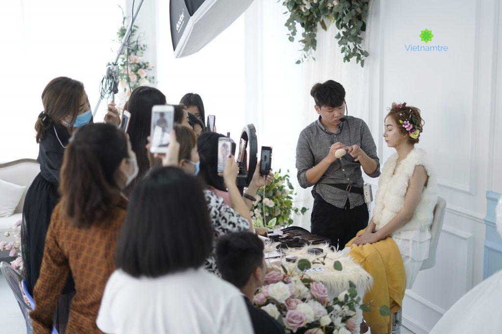 Đông Ngô Make up artist - Make up tại Queen Studio
