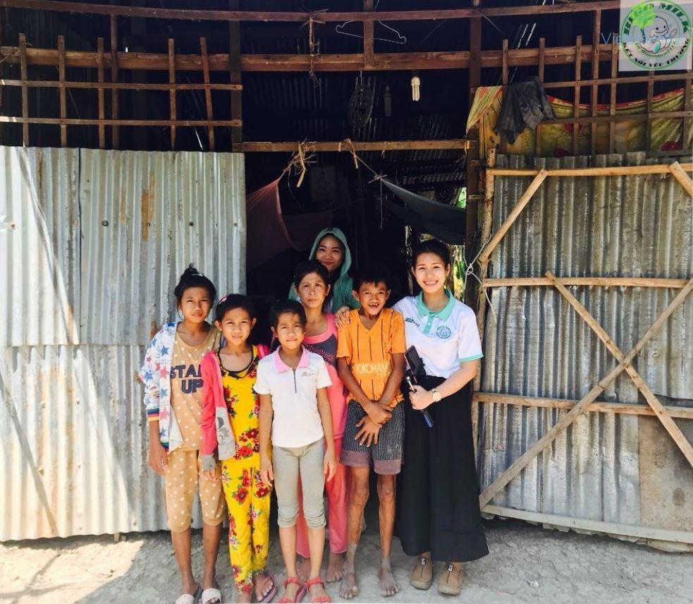Huyền Mi (Milk) đã tổ chức những chương trình Trung Thu cho em, hỗ trợ đầu năm học mới, xây nhà tình thương (đến nay đã xây được 11 căn nhà yêu thương), phát quà cho người vô gia cư ở TP.HCM