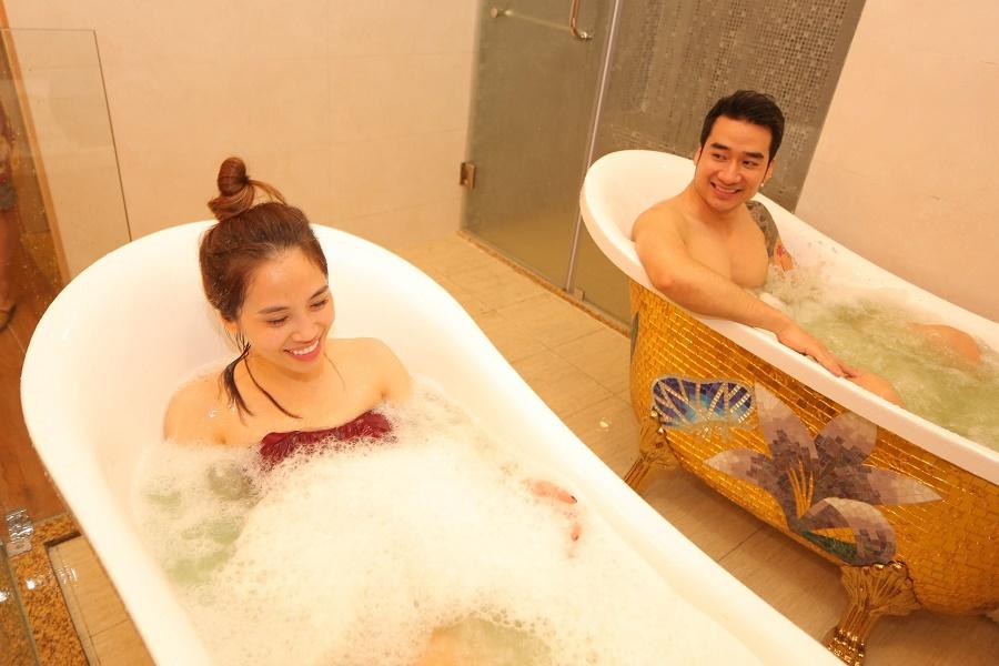 Dịch vụ tắm sục trị liệu được rất nhiều khách hàng ưa chuộng mỗi khi đến nơi đây